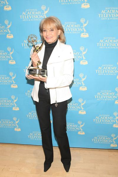 2009年9月21日,芭芭拉‧華特斯獲頒第30屆新聞及紀錄片艾美獎頒發的終身成就獎。(Michael Loccisano/Getty Images)