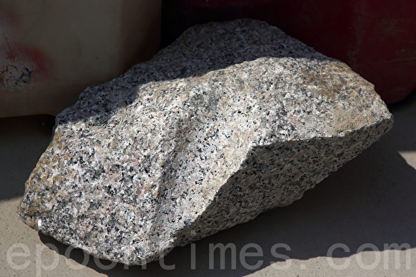 廣深港高鐵香港段施工過程中,發現地盤最底的地下第四層(B4)有堅硬的花崗岩。(潘在殊/大紀元)