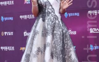 郑恩地与池贤宇 搭挡出演《Trot的恋人》