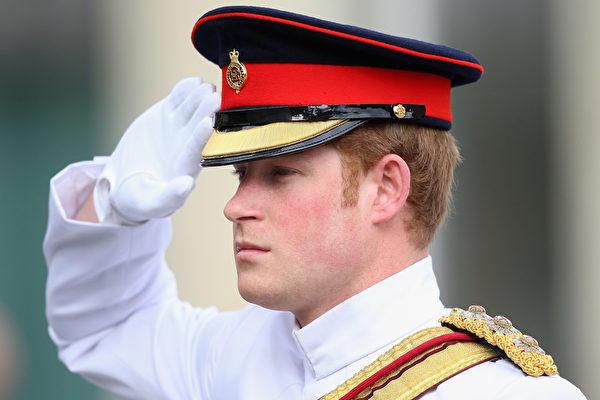 組圖:哈里王子訪愛沙尼亞受沿街歡迎