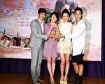 林心如(右二)製作電視電影《我的媽媽》於5月31日晚間9點在台灣播出。(公視提供)