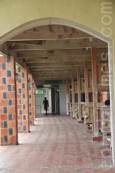 三樓迴廊。(謝月琴/大紀元)