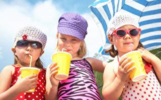 專家:從小培養好習慣 吃飯棄飲料改喝水