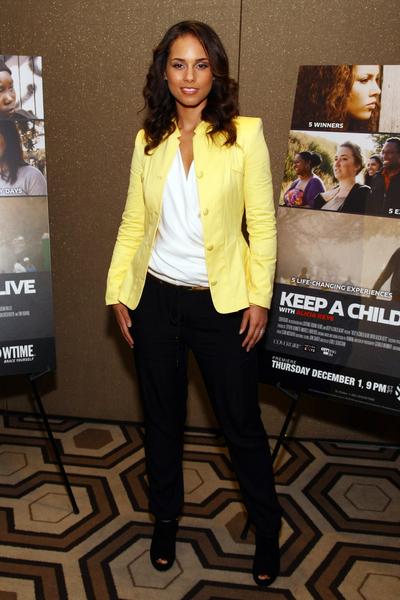 2011年艾莉西亚•凯斯出席公益影片《和艾莉西亚•凯斯一起让孩子活下去》首映式。(Neilson Barnard/Getty Images)