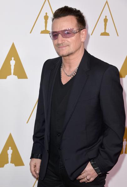 波诺于2014年第86届奥斯卡颁奖礼。(Kevin Winter/Getty Images)