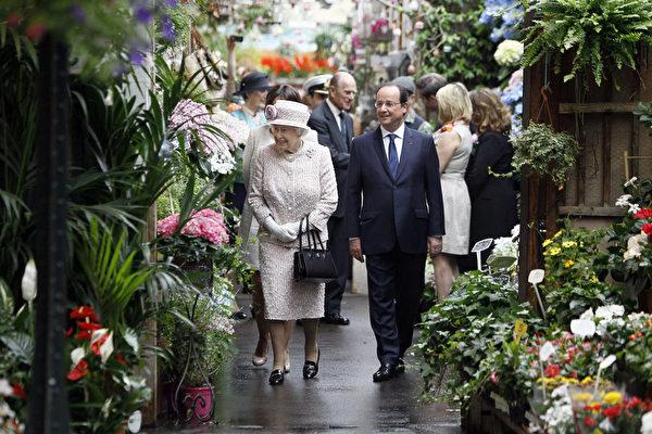 事隔66年 英國女王再訪巴黎花市