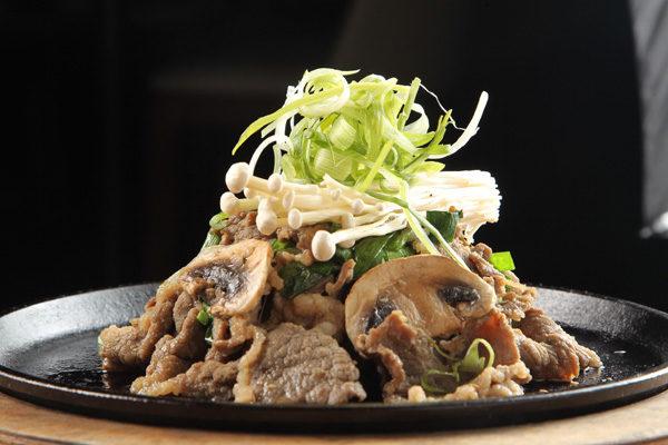炒牛肉。(摄影:张学慧/大纪元)