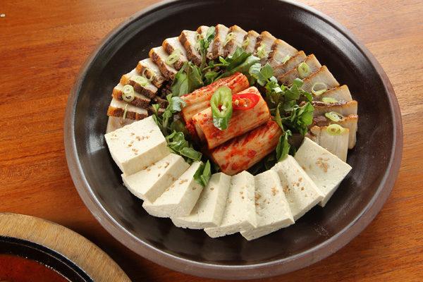 猪肉豆腐拼盘。(摄影:张学慧/大纪元)