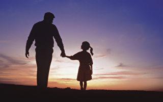 皇甫容:感恩父親的窮養與富養