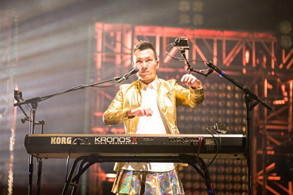 鍵盤手阿龔。(環球國際唱片提供)