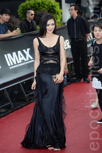 模特、演员赵茜也参加了《变形金刚4》的演出。(宋祥龙/大纪元)