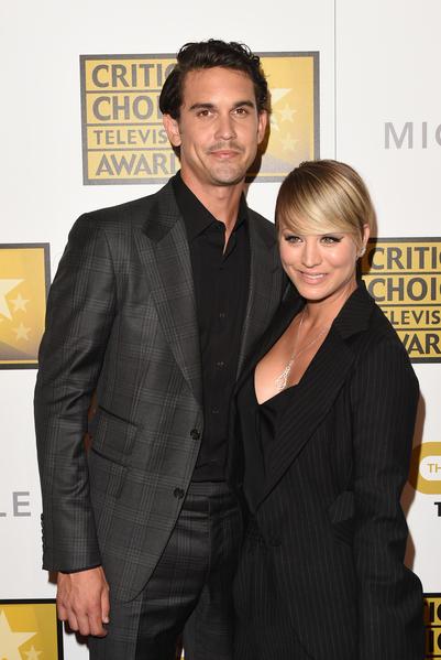 《生活大爆炸》女星卡蕾•库科与丈夫——网球名将斯维汀。(Jason Merritt/Getty Images for Critics' Choice Television Awards)
