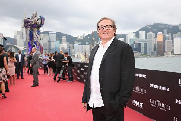 2014年6月19日,《变形金刚4》制片人博纳文图拉出席在香港举办的该片全球首映式。(Callaghan Walsh/Getty Images for Paramount)