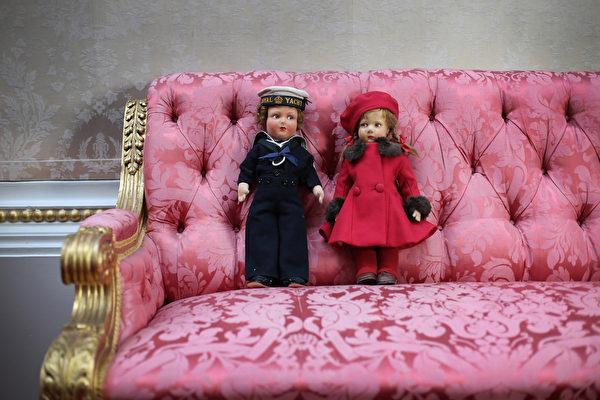 英國女王伊麗莎白二世小時候玩過的娃娃。(Peter Macdiarmid/Getty Images)