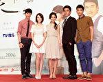新戲《16個夏天》宣傳記者會。左起為:謝佳見、許瑋甯、林心如、楊一展、鄒承恩。(聯意製作提供)