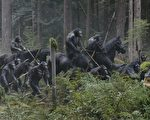 《猩球崛起:黎明之戰》劇照。(福斯提供)