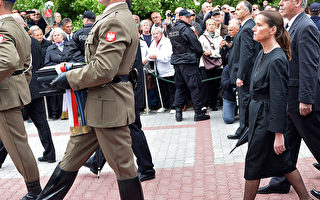 波共領袖雅魯澤爾斯基國葬引爆風波