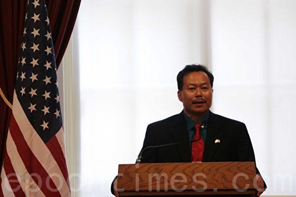 會議組織者,寮國新民主運動主席理查德.賽斯莫博士表示中國乃至亞洲的變革就要到來。(攝影:蘇子清/大紀元)