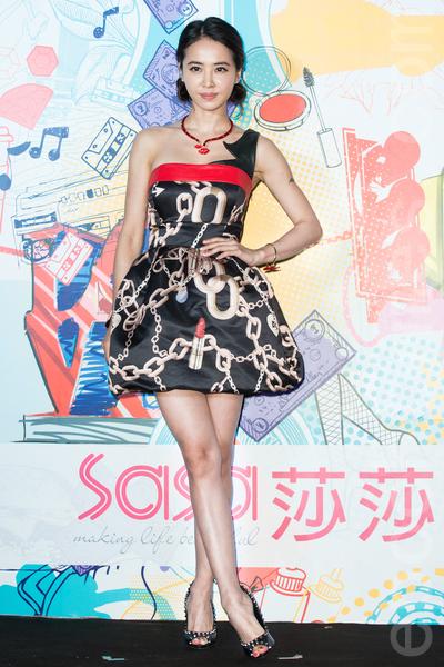 藝人蔡依林(Jolin)7月10日在台北出席美妝記者會,她預計10月發片,最近忙著錄新專輯。 (陳柏州/大紀元)