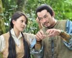 台灣演員蘇晏霈(左)與柯叔元最近再度合作出演《龍飛鳳舞》劇照。(民視提供)