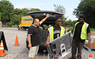 回收电子垃圾保护环境 华裔不落后