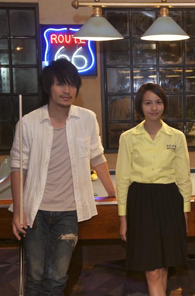 五月天团长温尚翊(怪兽)将以演员身份和黄姵嘉一同颁发最佳新演员奖。(台北电影节提供)