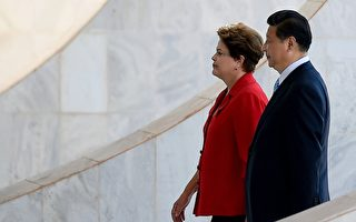 习赴巴西总统府 警察场外逮捕中使馆的四名帮凶