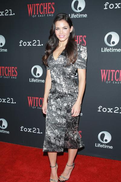 吉娜·德万—塔图姆参加《东方女巫》第2季首映礼。(Robert Benson/Getty Images for Lifetime Television)