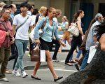 居住在繁華大都會讓人感到自豪優越的同時,處於高密度人口之中而患上一系列「城市病」的風險也大大增加。(GREG WOOD/AFP)