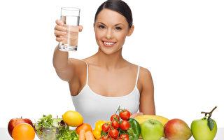 喝水可倒时差 美媒推荐新鲜食材胜于药物