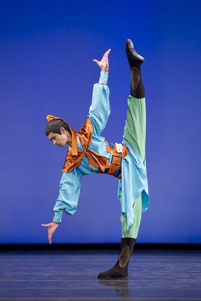 2010年第四屆新唐人全世界中國古典舞大賽少年男子組金獎陳厚任。(戴兵/大紀元)