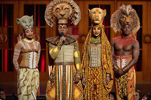 【视频】《狮子王》众歌手快闪纽约地铁