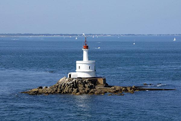 法國布列塔尼區莫爾比昂海灣(Morbihan bay)燈塔(MARCEL MOCHET/AFP)