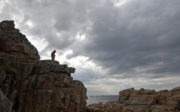 法國布列塔尼區普盧格雷斯康(Plougrescant)海岸(Plougrescant)岩石(MIGUEL MEDINA/AFP)