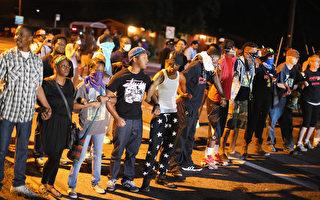美警槍殺非裔青年處 再傳暴亂