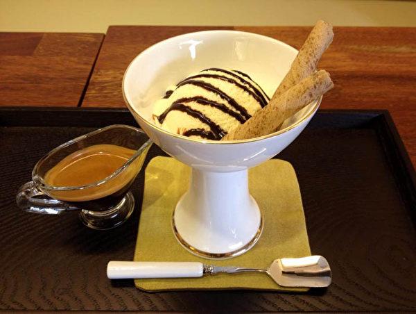 """""""天梯咖啡屋""""的咖啡和甜点。(大纪元图片)"""