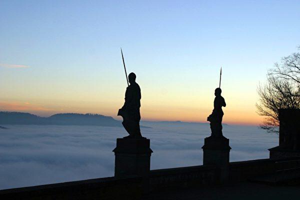 古往今来一直守候城堡的战士(霍亨索伦堡提供)