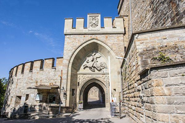 城堡入门处(霍亨索伦堡提供)