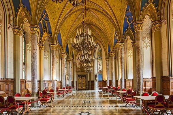 每年皇室后裔聚集的大厅(霍亨索伦堡提供)
