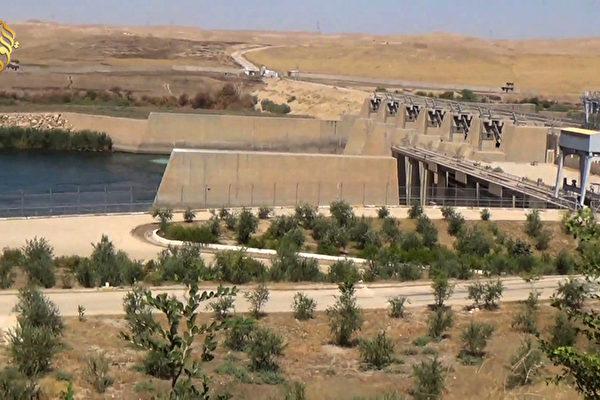 夺摩苏尔大坝 美军掩护库尔德族部队