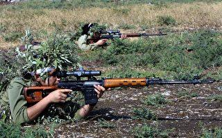 """伊斯兰恐怖组织的""""克星"""":库尔德女兵"""