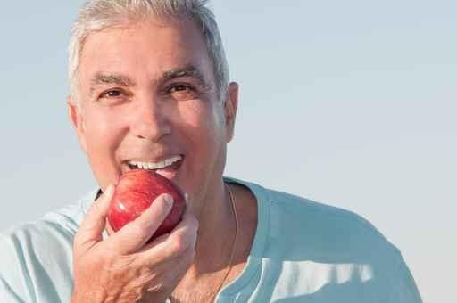 研究發現,每天吃1個蘋果,可將冠心病患病率減少幾率。(fotolia)