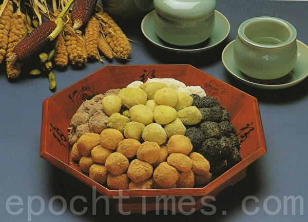 韓國的鬆餅,色彩不同味道也不同。(照片由韓國傳統飲食研究所提供)