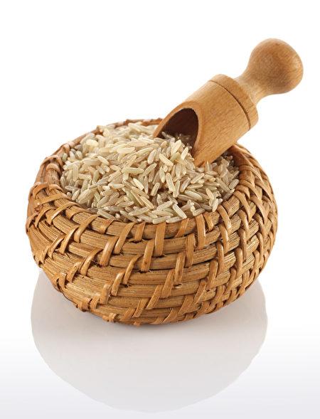 糙米营养高口感差,可以热水煮加少许柠檬汁与猪油,使得糟米饭香滑顺口。 (fotolia)