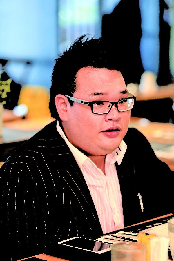 朗峰地产另一位创办人刘颂熙,在地产业拥有十年经验的刘先生对香港地区的地理环境和未来发展有着专业的经验和看法。(余钢/大纪元)