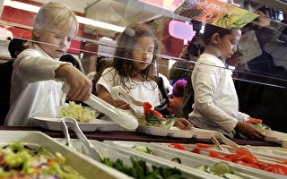 芝加哥公校學生享受免費早午餐
