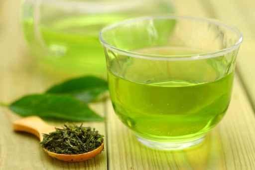 綠茶含有兒茶素,是一種植物抗氧化劑,可消除肝臟脂肪堆積,促進肝功能正常。(fotolia)