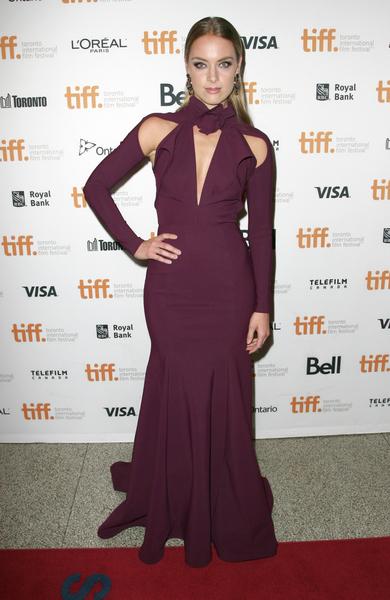雷切爾·斯卡斯騰(Rachel Skarsten)出席多倫多影展《天使面龐》(The Face Of An Angel)首映禮。(多倫多電影節提供)