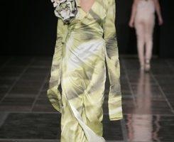 哥本哈根的时装秀 绿色花裙优雅高贵