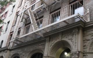 切尔西房客遭房东驱离 集会抗议骚扰